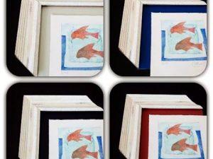 Eligiendo un #color de fondo para #enmarcar este #grabado de #adelaidamurillo  con una #moldura #decorada en decapado claro. Todavía no nos hemos decidido… ;-)Se aceptan opiniones: fondo en #verdeclaro #negro #azul #rojizo ???#arte #artesanía #deunoenuno #marcosamedida #hechoamano #obragráficaoriginal  #decoración #barcelona #fortpienc