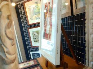 Espejos, cuadros, reflejos y escaparate
