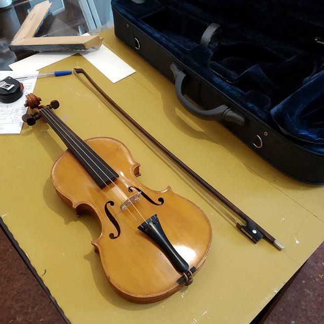 Enmarcar un violín? Pues también! - Esteve Enmarcadores