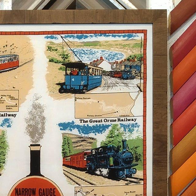 Enmarcar tapiz de trenes - Esteve Enmarcadores