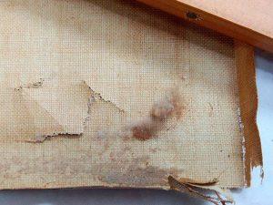Otro #reto para #restaurar una #tela rota y desgarrada de una #pinturaaloleo Está muy #deshidratada y #quebradiza