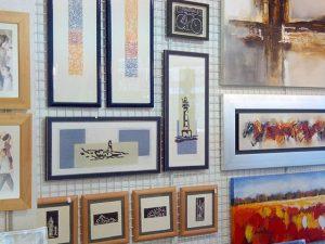 Hoy #sábado cambio de #cuadros en la pared: #grabados y #pinturasaloleo#arte #artesanía #originales #obragráficaoriginal #decoración #barcelona #fortpienc