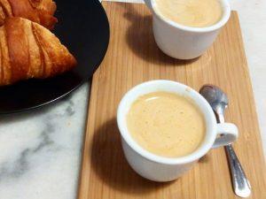 Qué bien se empieza una #mañana de #domingo compartiendo el rico #café de @bakerybcn Y ya estamos en #primavera ;-)#arte #cocina #barcelona