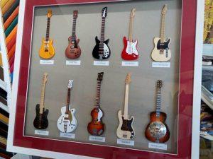 Guitarras enmarcadas