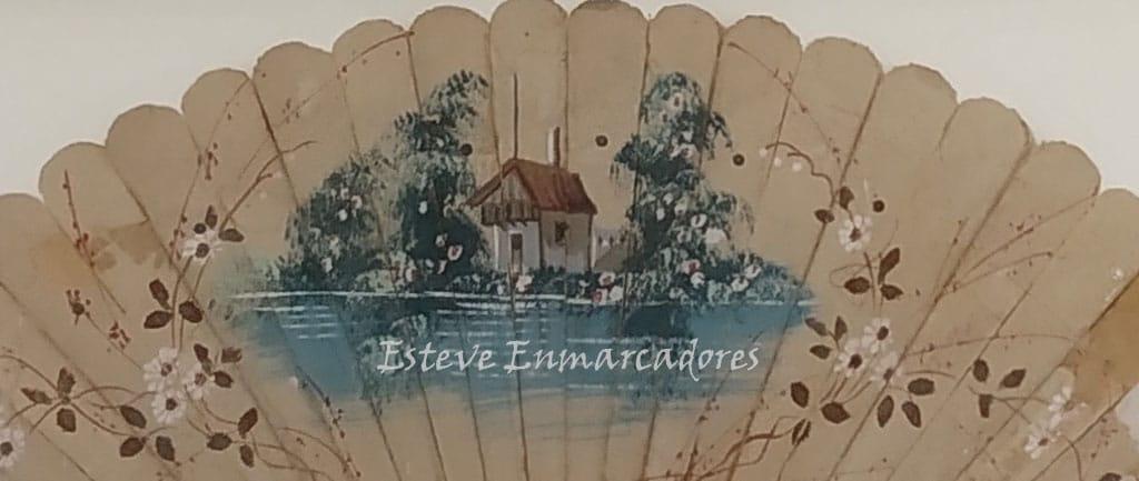Detalle dibujo central del abanico enmarcado - Esteve Enmarcadores