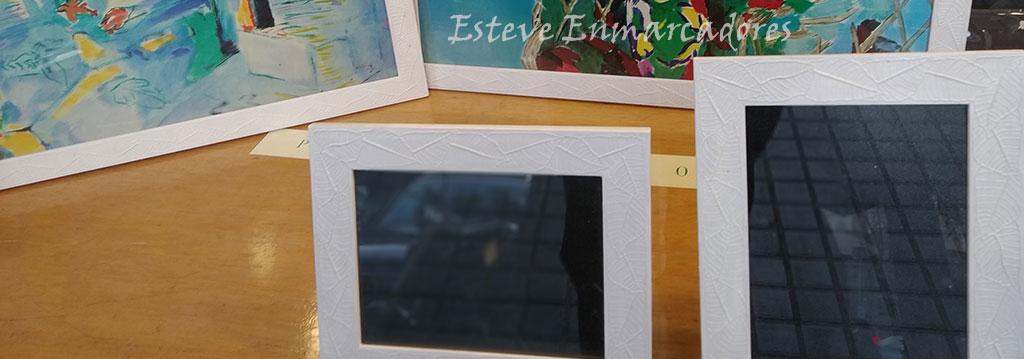 Portafotos con marco relieve de hojas - Esteve Enmarcadores